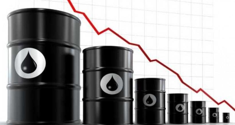 انهيار في أسعار النفط لم يتكرر منذ (45) عامًا