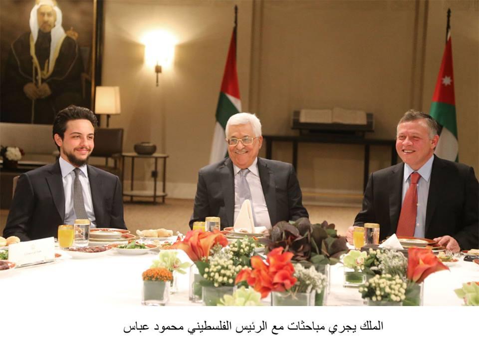 مائدة إفطار تجمع الرئيس عباس وملك الأردن