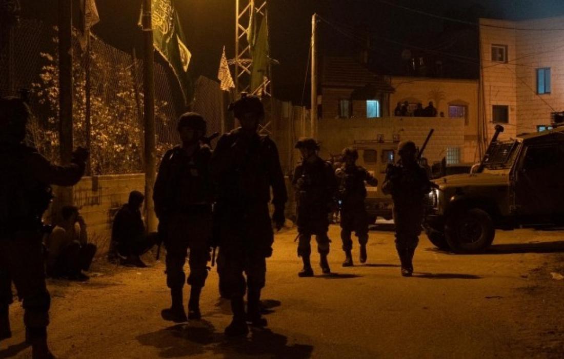 مداهمات واعتقالات في مناطق متفرقة في الضفة