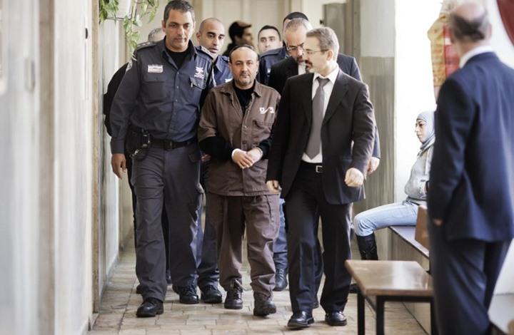 صحيفة عبرية: رفض إطلاق البرغوثي تدخل إسرائيلي بخلافة عباس