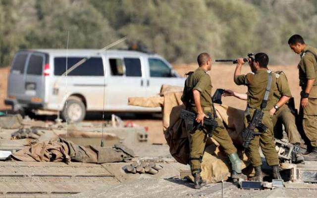 الجيش الإسرائيلي يزعم اشتباك قواته مع فلسطينيين شرق خانيونس