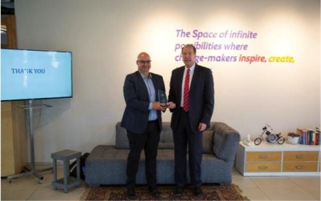"""رئيس البنك الدولي ديفيد مالباس يكرم صندوق """"ابتكار"""" بجائزة تقديرية لدوره في تشجيع الابتكار وخلق فرص العمل للشباب والنساء"""