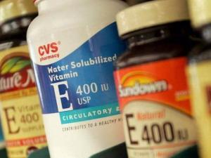 رغم فوائده.. فيتامين قد يعرض حياتك للخطر