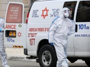 """الاحتلال يسجل 13 حالة """"شلل خفيف بالوجه"""" إثر تلقي لقاح كورونا"""