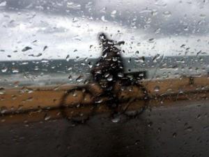 الطقس: زخات متفرقة من الأمطار