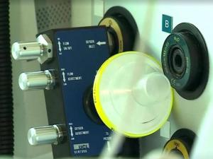 """""""مرسيدس فورمولا 1"""" تصمم جهاز تنفس لإنقاذ مرضى كورونا"""