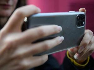الهواتف الذكية والاكتئاب.. خبراء الصحة يشرحون العلاقة