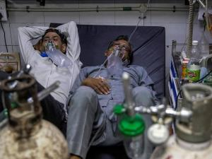 """منظمة الصحة تكشف """"سبب"""" العدد الهائل من إصابات كورونا"""