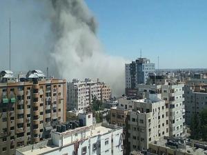 القسام: انتظروا ردنا المزلزل على تدمير برج الجلاء بغزة