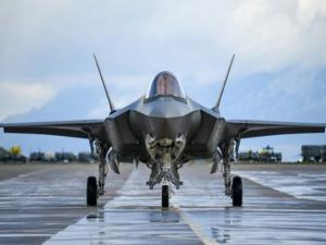 ليبرمان يطالب بلجنة تحقيق في بيع طائرات F-35 للإمارات