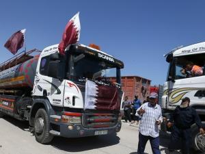 إعلام عبري: السلطة الفلسطينية غاضبة بعد إقرار آلية جديدة لصرف المنحة القطرية في غزة