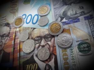 ارتفاع طفيف على أسعار العملات مقابل الشيكل اليوم الاثنين