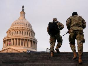 عواصم الولايات الأمريكية تتأهب لاحتجاجات مسلحة