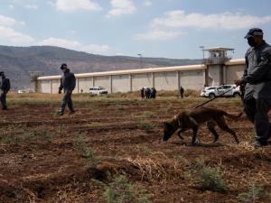 تفاصيل جديدة يكشفها الاحتلال عن فرار الأسرى من سجن جلبوع
