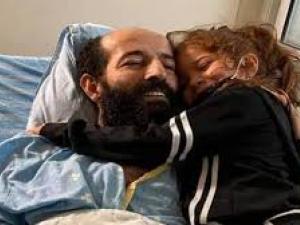 بعد 103 يوم إضراب: الأسير ماهر الأخرس يُعانق الحرية وينتزع انتصاره