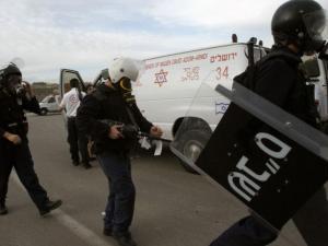 قوات القمع تقتحم قسم 22 في سجن النقب