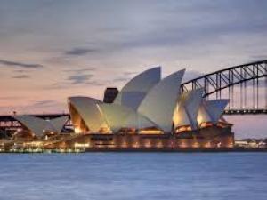 عزل عام على مدينة سيدني الأسترالية لمدة أسبوعين لاحتواء تفشي وباء كورونا