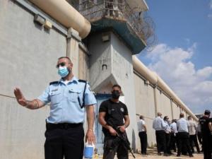 مخاوف إسرائيلية من وجود أنفاق داخل سجن بئر السبع