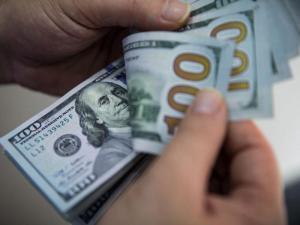 الدولار يواصل انهياره أمام الشيقل
