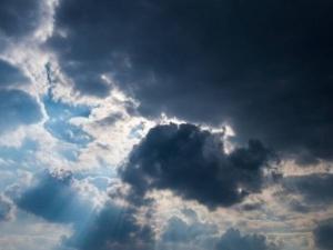 الطقس: تراجع تأثير الموجة الحارة وانخفاض على درجات الحرارة