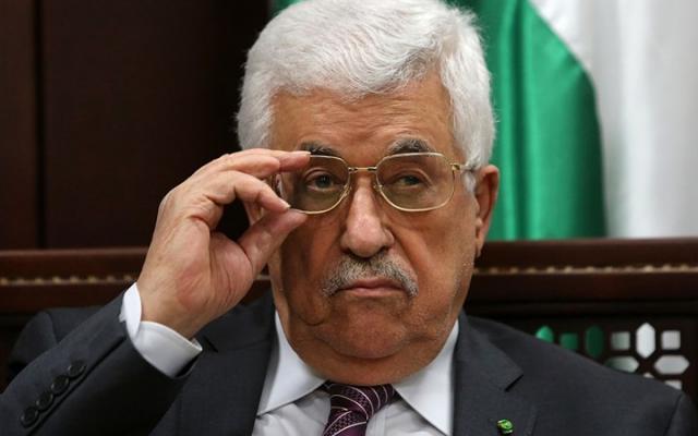 حقوقيون يحذرون من مخاطر حل عباس لمجلس القضاء الأعلى
